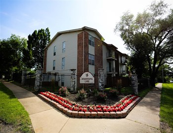 4583 Whisper Lake Drive 2 Beds Apartment for Rent Photo Gallery 1