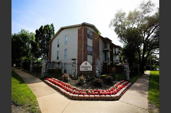 Whispering Lake Apartments Florissant Mo