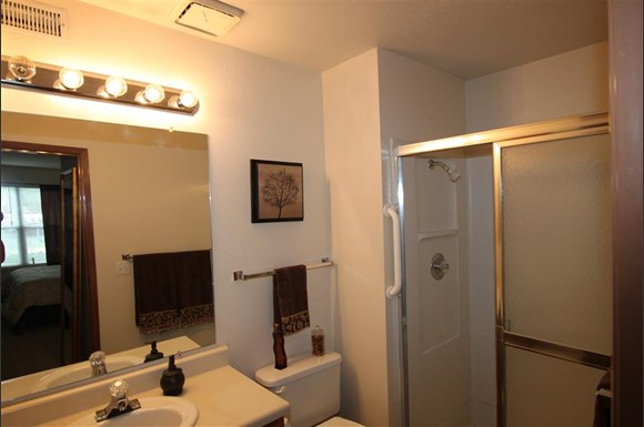 Eaglerock Village Apartments 7627 E 37th Street N Wichita Ks Rentcaf 233