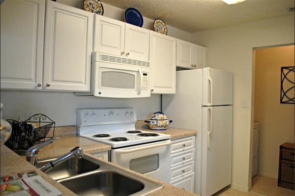 Country Club Lakes Apartments 5800 N W 74th Place Coconut Creek Fl Rentcaf
