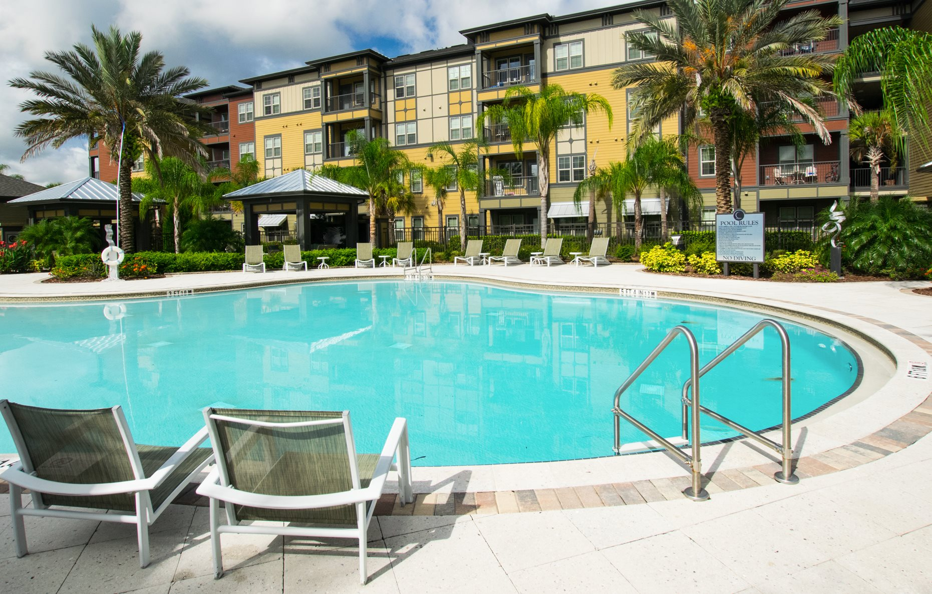 Swimming Pool at Creekside Ranch Apartments in Bradenton, CO