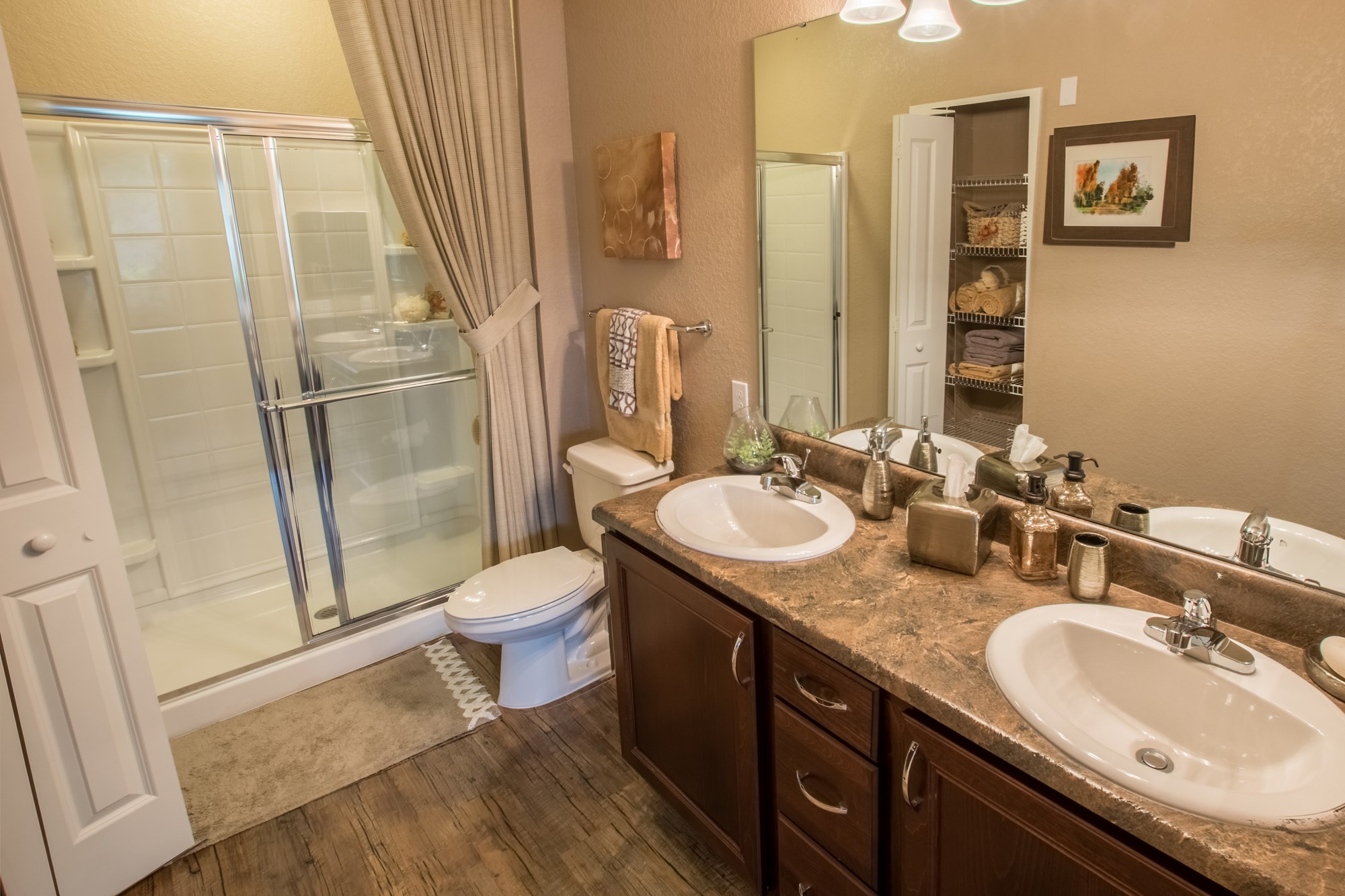 Large Bathroom at Creekside Ranch Apartments in Bradenton, FL