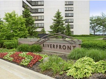 250 Riverfront Drive 1-2 Beds Apartment for Rent Photo Gallery 1