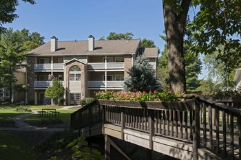 1500 Westford Cir 1-2 Beds Apartment for Rent Photo Gallery 1