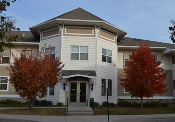 2915 Clover Ridge Drive 1-2 Beds Apartment for Rent Photo Gallery 1