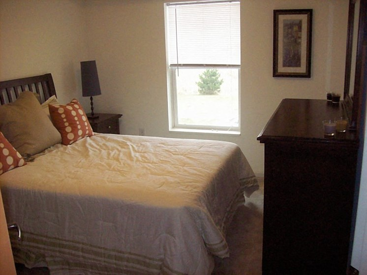 Clover Field Marketplace - bedroom