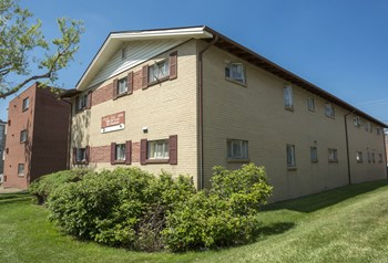1581 South Ash Street 1-2 Beds Apartment for Rent Photo Gallery 1