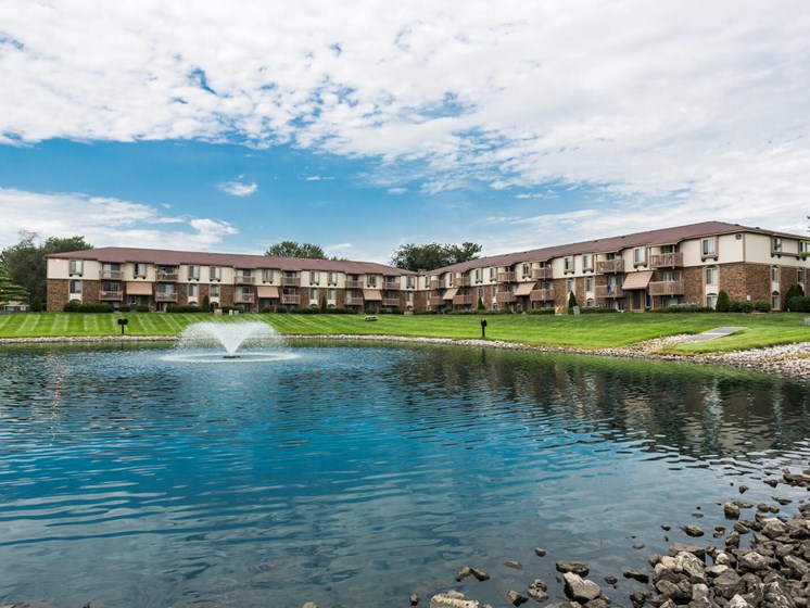 Community Lake View at Bay Pointe Apartments, Lafayette, Indiana