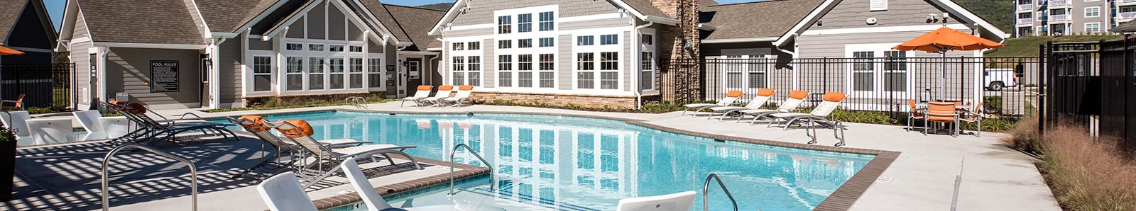 Luxurious Apartment Community at The Retreat Apartments, Virginia
