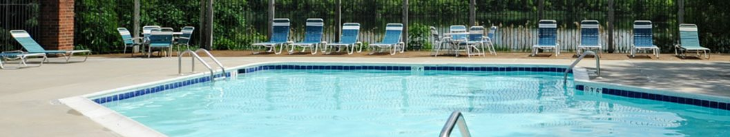 Large Outdoor Pool and Sundeck at Arbor Lakes Apartments, Elkhart, IN 46516
