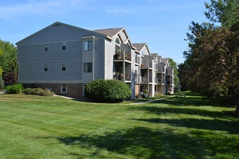 Beautifully Landscaped Grounds at Byron Lakes Apartments, Byron Center, MI
