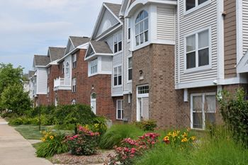 7606 Briarbrook Drive 1-2 Beds Apartment for Rent Photo Gallery 1
