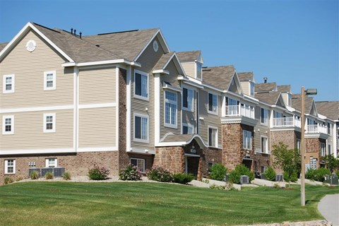 Luxury Apartment Homes for Rent at Colonial Pointe at Fairview Apartments, Bellevue, NE, 68123