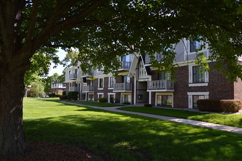 Beautiful Garden Space at Fairlane Apartments, Springfield, Michigan