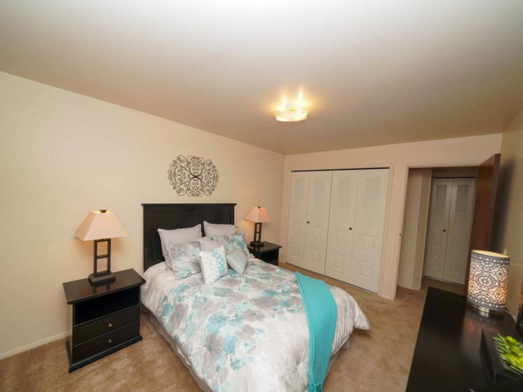 Gorgeous Bedroom Designs at Fairlane Apartments, Springfield, MI