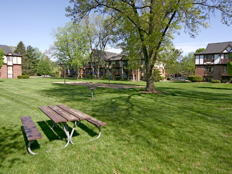 Beautiful Park-Like Grounds with Mature Shade Trees at Fairlane Apartments, Springfield