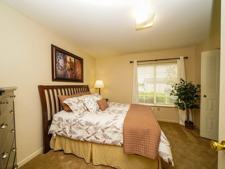 Spacious Bedroom at Fieldstream Apartment Homes, Ankeny, Iowa