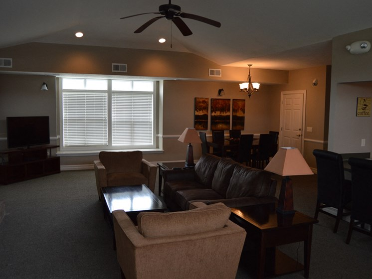 Ample Sitting Space In Clubhouse at Fieldstream Apartment Homes, Ankeny, 50023