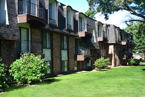 Exterior View of Property at Glen Oaks Apartments, Muskegon, 49442