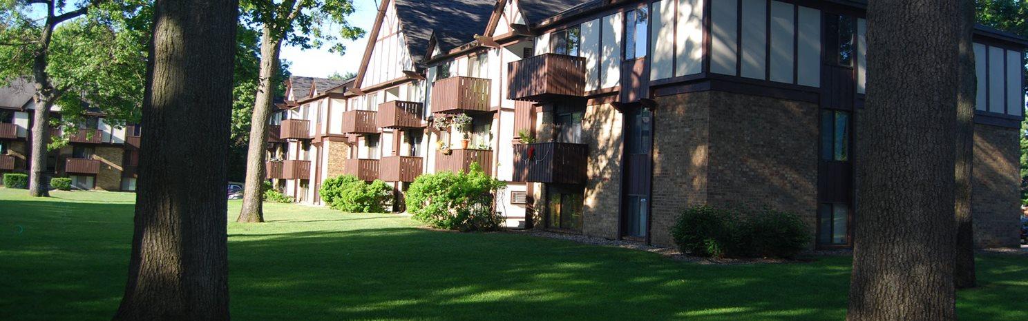 Stunning Green Views at Glen Oaks Apartments, Muskegon, MI, 49442