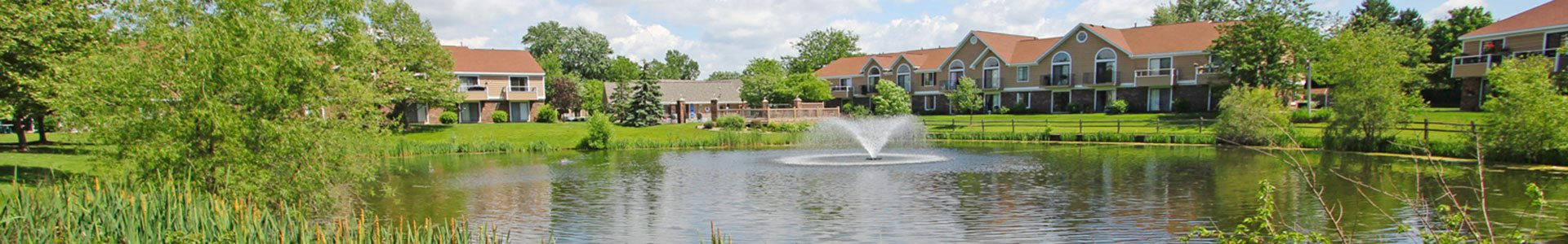 Lake and Fountain at Hampton Lakes Apartments, Walker, MI