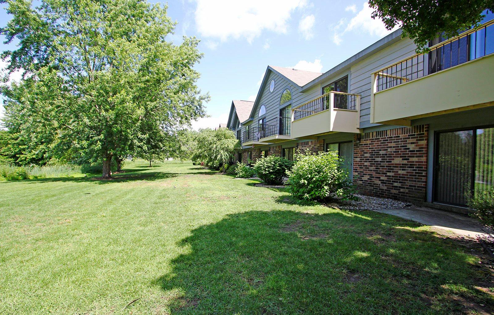 Green Views at Hampton Lakes Apartments, Walker, MI