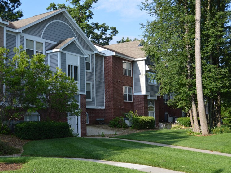 Maintained Lawns and Walkways at The Highlands Apartments, Indiana