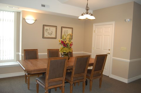 Elegant Dining Room at Hunters Pond Apartment Homes, Champaign, IL