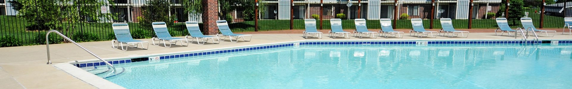 Outdoor Pool with Steps at Huntington Cove Apartments, Merrillville, IN