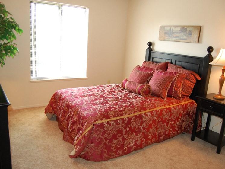 Spacious Bedrooms at Seville Apartments, Kalamazoo, 49009