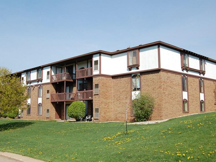 Nature Friendly Surroundings at Seville Apartments, Michigan, 49009