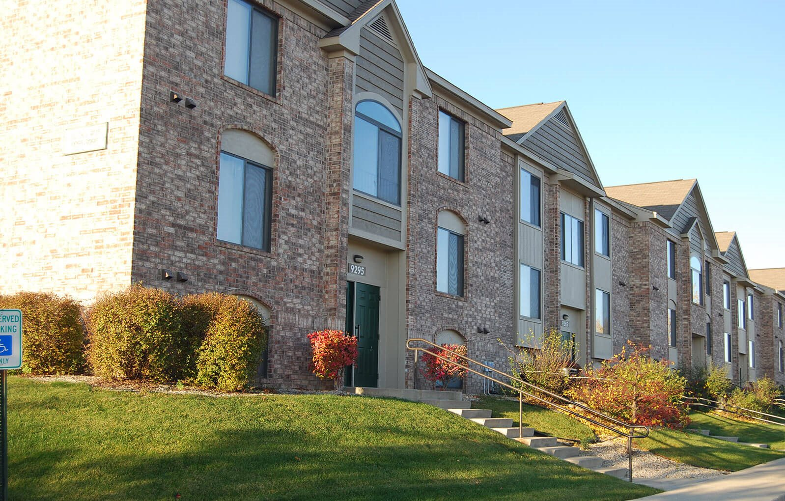 Welcoming Community at Oak Shores Apartments, Wisconsin