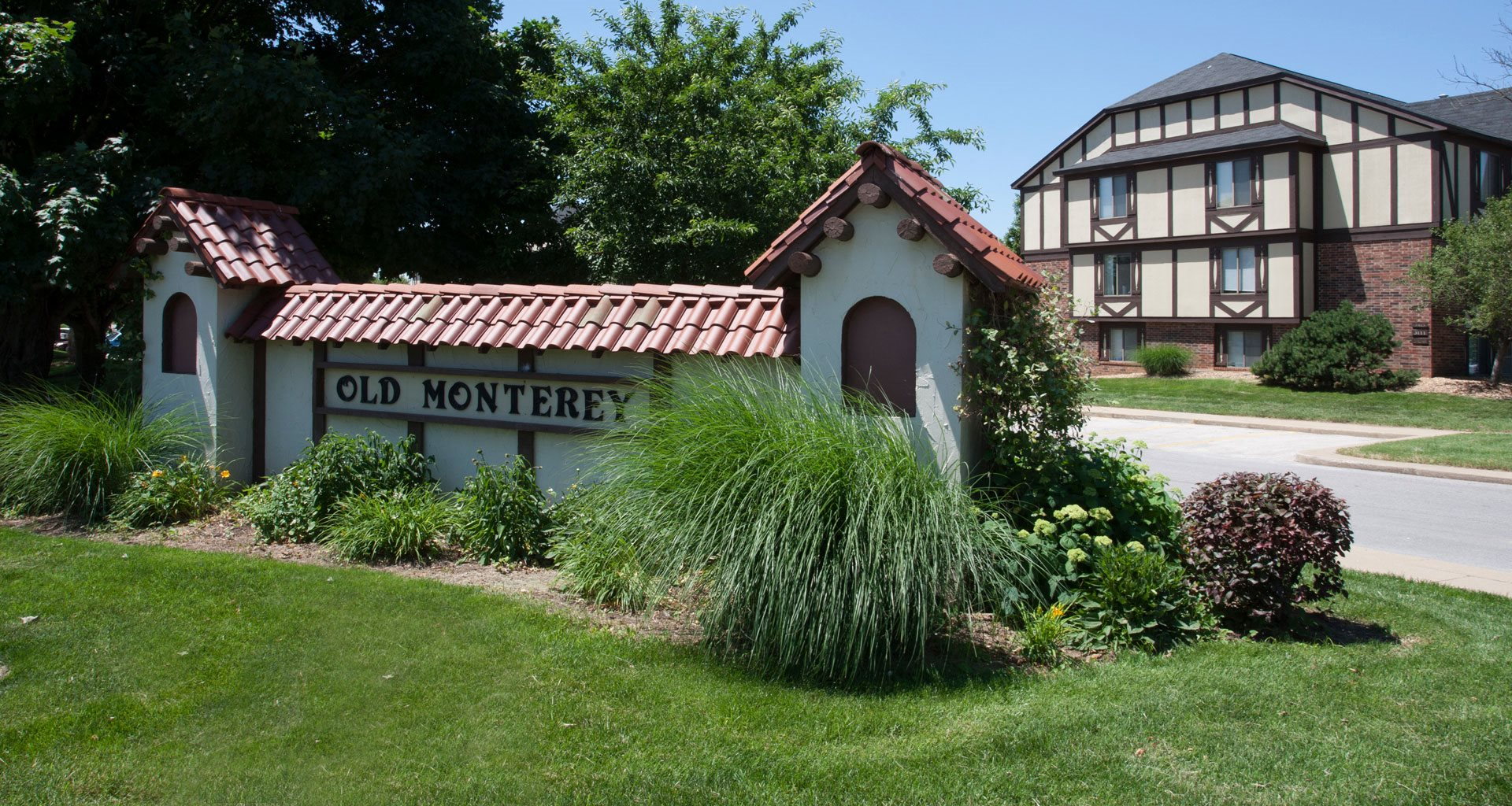 Property Entrance Sign at Old Monterey Apartments, Springfield