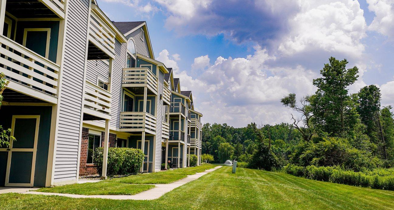 Gorgeous Large Outdoor Landscapes at South Bridge Apartments, Indiana, 46816