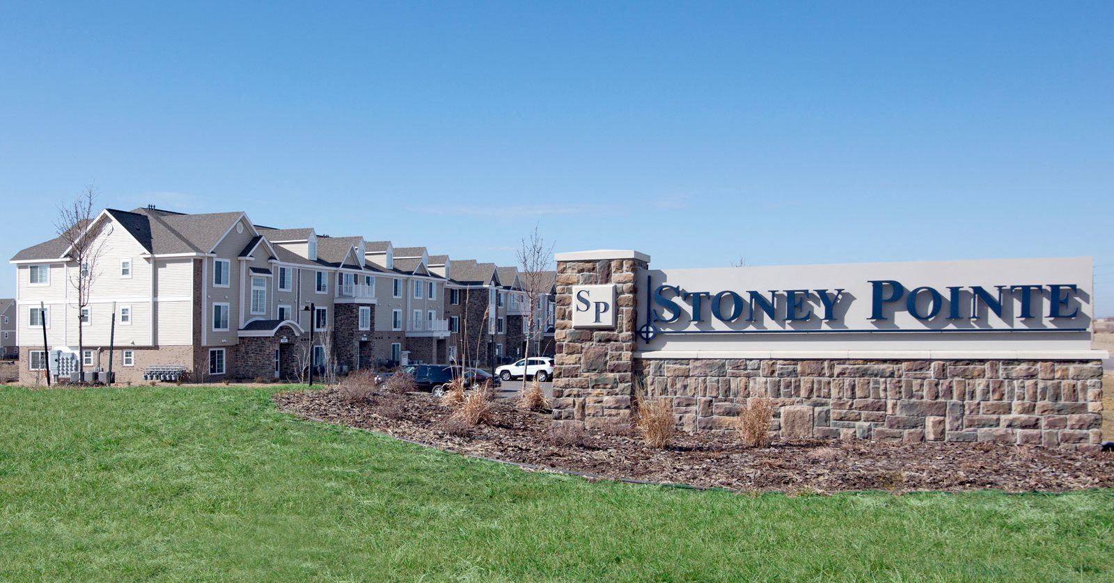 Welcoming Community at Stoney Pointe Apartment Homes, Kansas