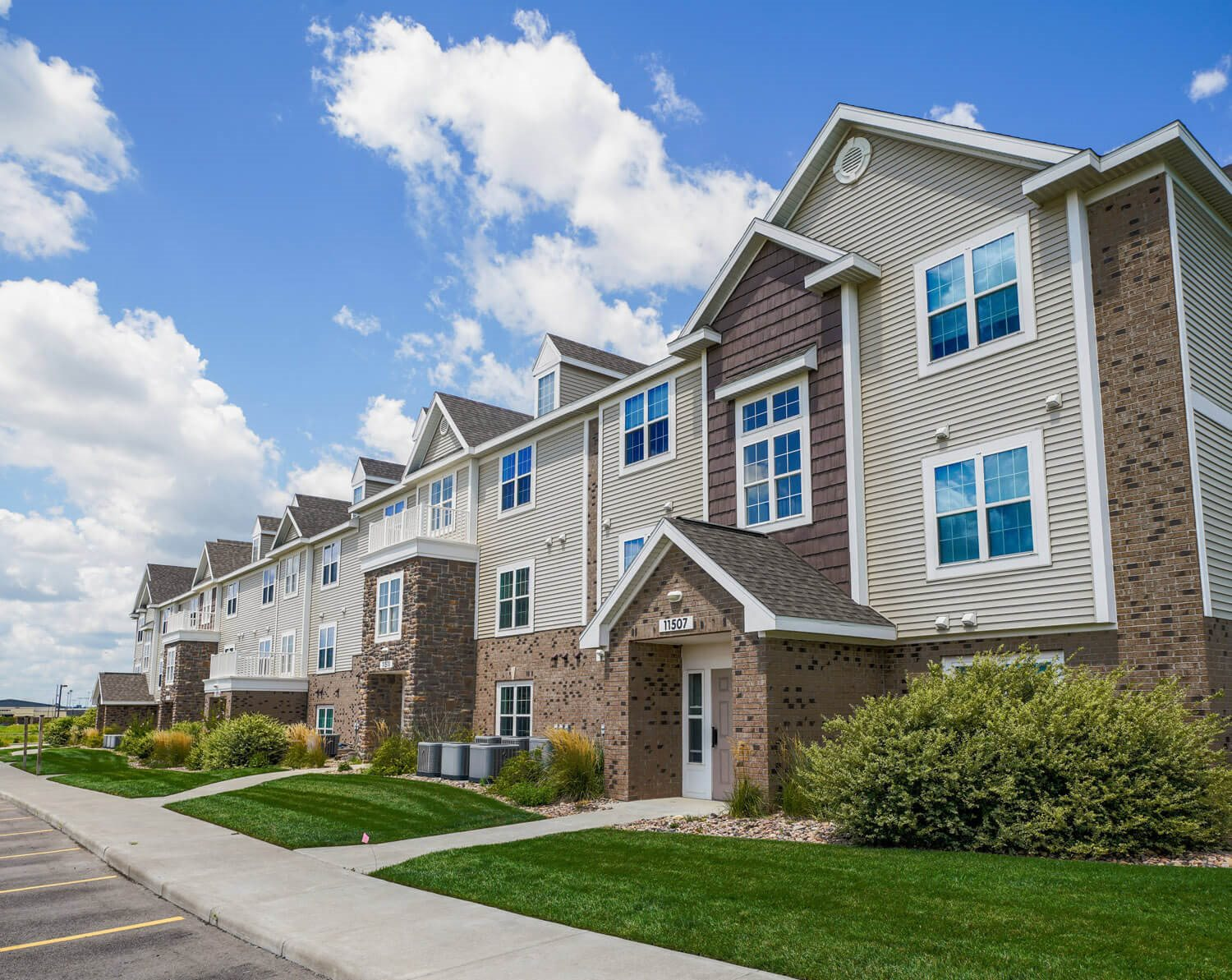 Beautiful Landscaping at Stoney Pointe Apartment Homes, 67226