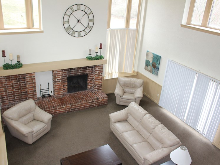Lounge With Your Friends at Wingate Apartments, Kentwood