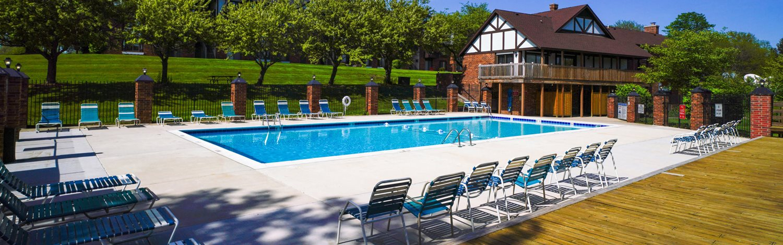 Pool Wingate Apartments, Michigan