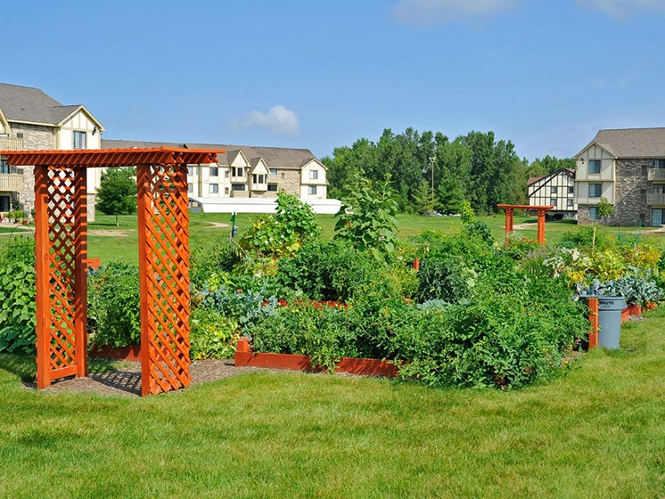 Community Gardens at Thornridge Apartments, Grand Blanc, MI, 48439