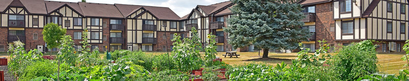 Courtyard Garden Space at Charter Oaks Apartments, Davison, Michigan