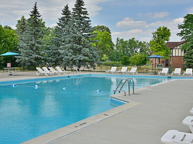 Pool with Sparkling Water at Charter Oaks Apartments, Michigan, 48423