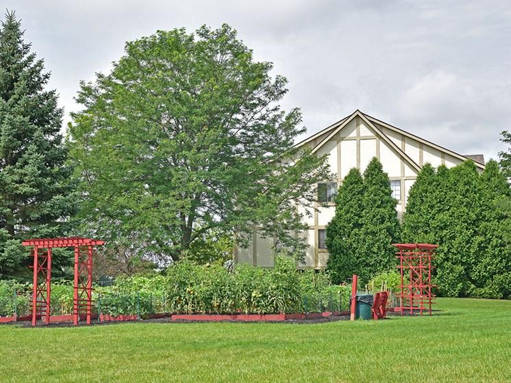 Community Gardens at Tanglewood Apartments, Oak Creek, 53154