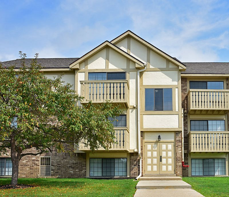 Cozy Apartment Living at Tanglewood Apartments, Oak Creek, WI
