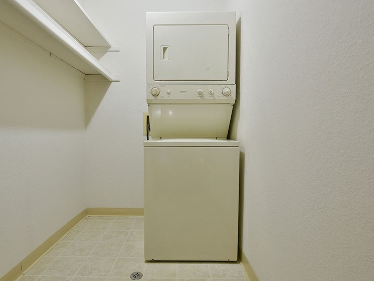 Stackable Washer & Dryer at Tanglewood Apartments, Oak Creek