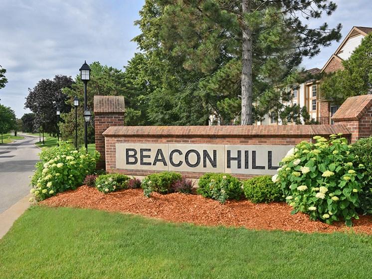 Entrance Sign at Beacon Hill Apartments, Illinois