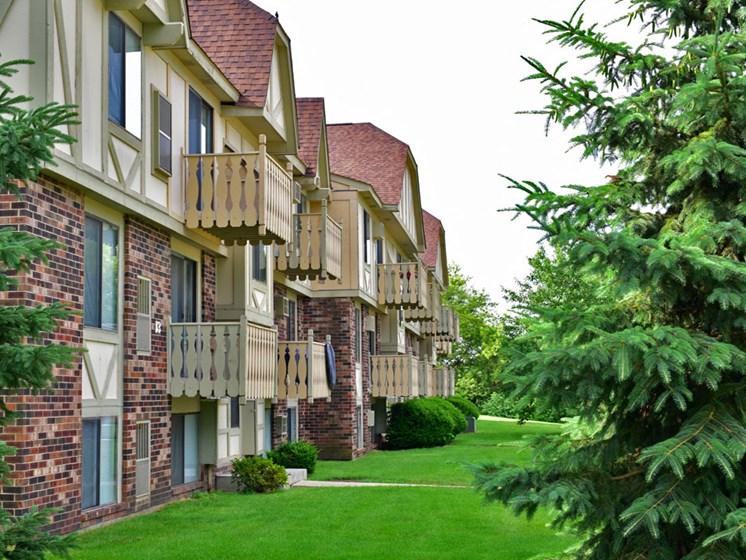 Lush Green Views at Beacon Hill Apartments, Rockford, IL