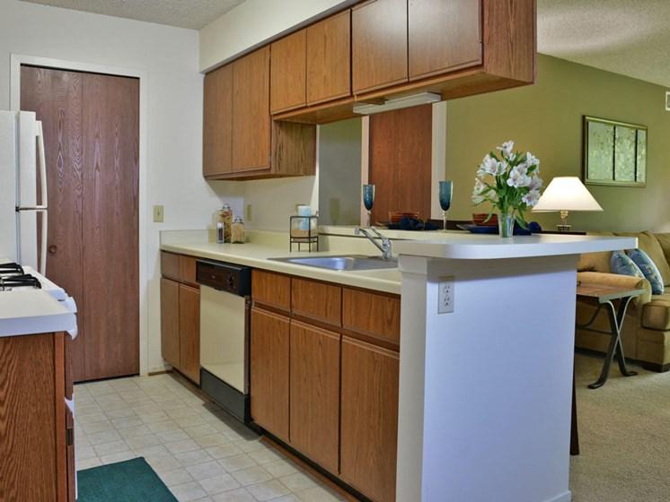 Kitchen at Beacon Hill Apartments, Illinois