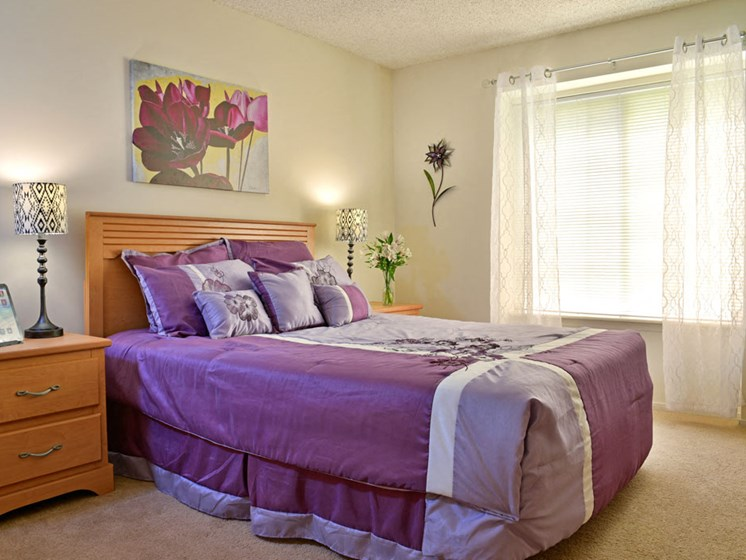 Bedroom with Carpeting at Beacon Hill Apartments, Rockford