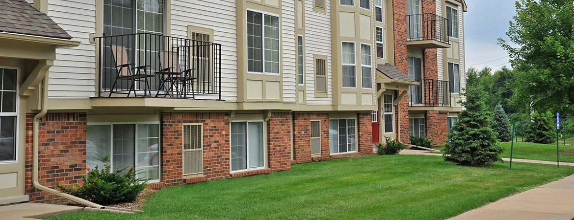 Apartments For Rent at Fox Pointe Apartments, Illinois, 61244