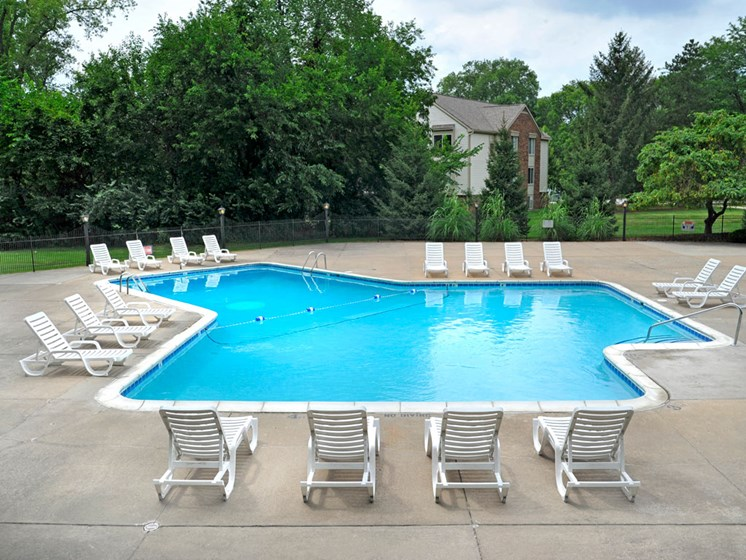 Swimming Pool and Sundeck at Fox Pointe Apartments, East Moline, Illinois